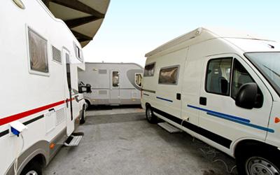 Camping an Board Korsika